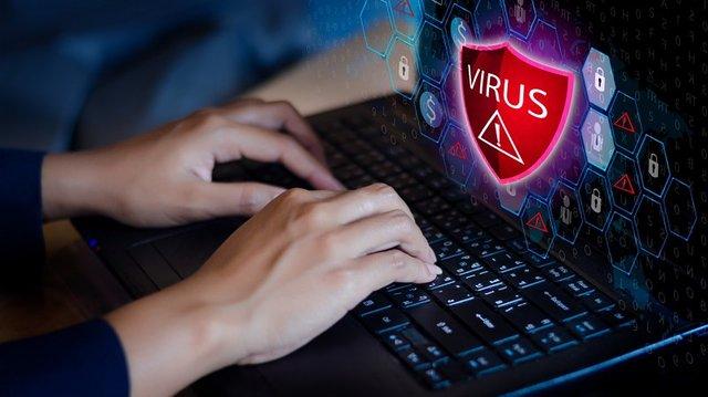 Скрытый майнинг: вирусы, браузерная добыча и атака на смартфоны